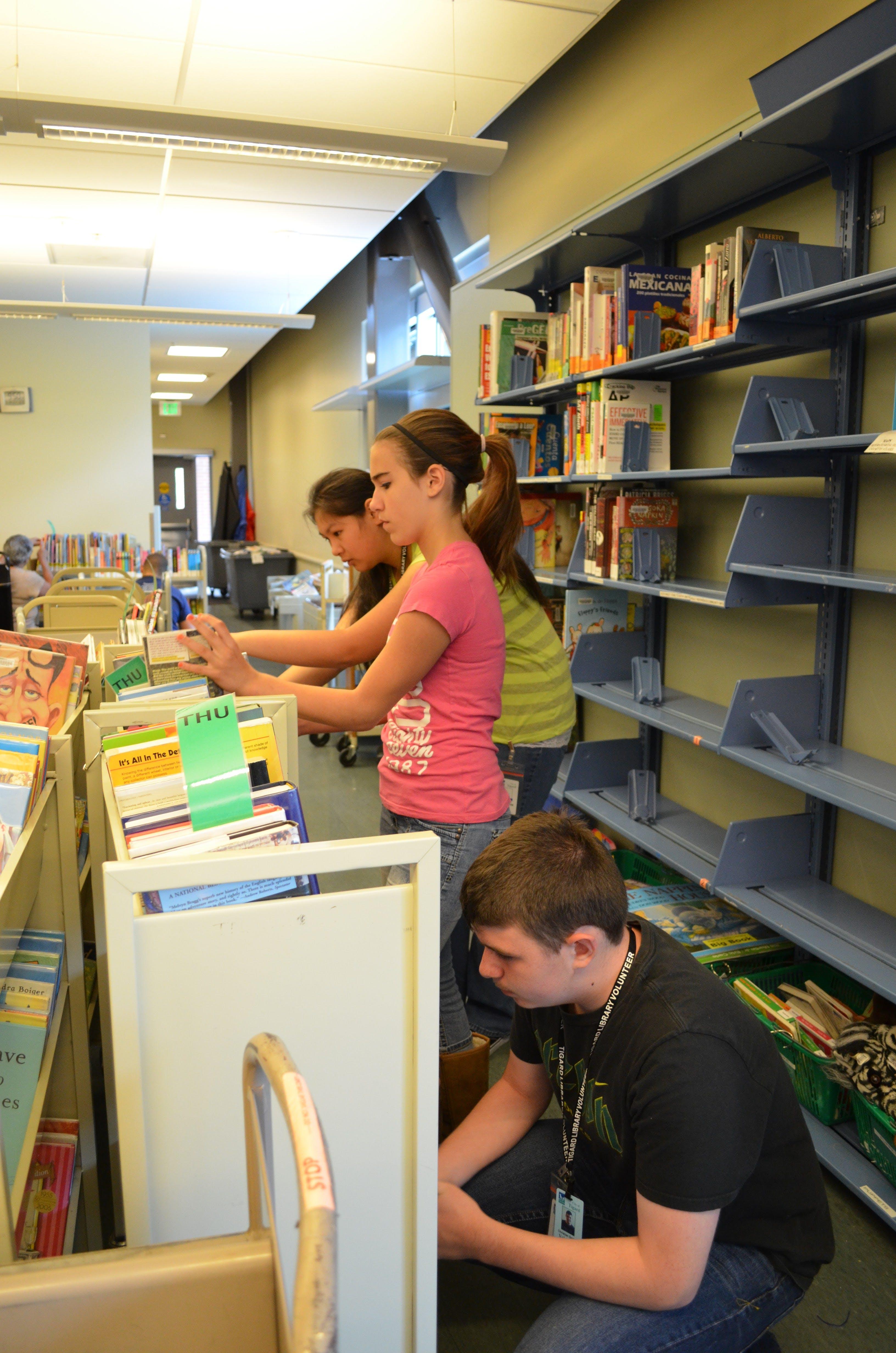library teen volunteers.jpg