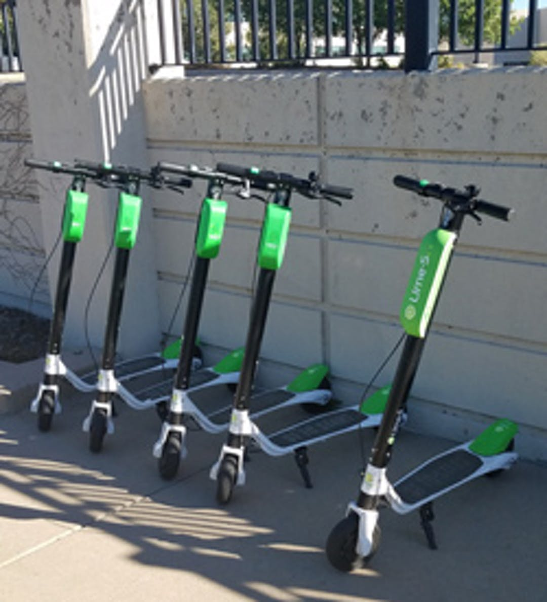 Electric dockless scooters