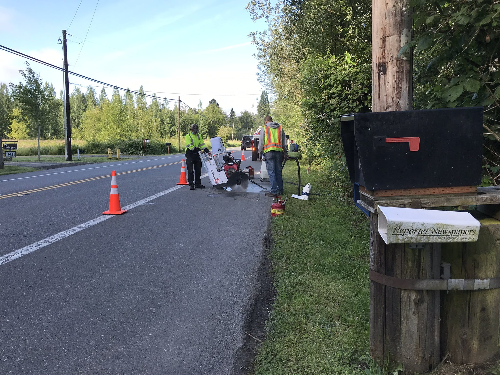 Sammamish Maintenance Crew Saw Cutting the Pavement in Preparation for Utility Potholing