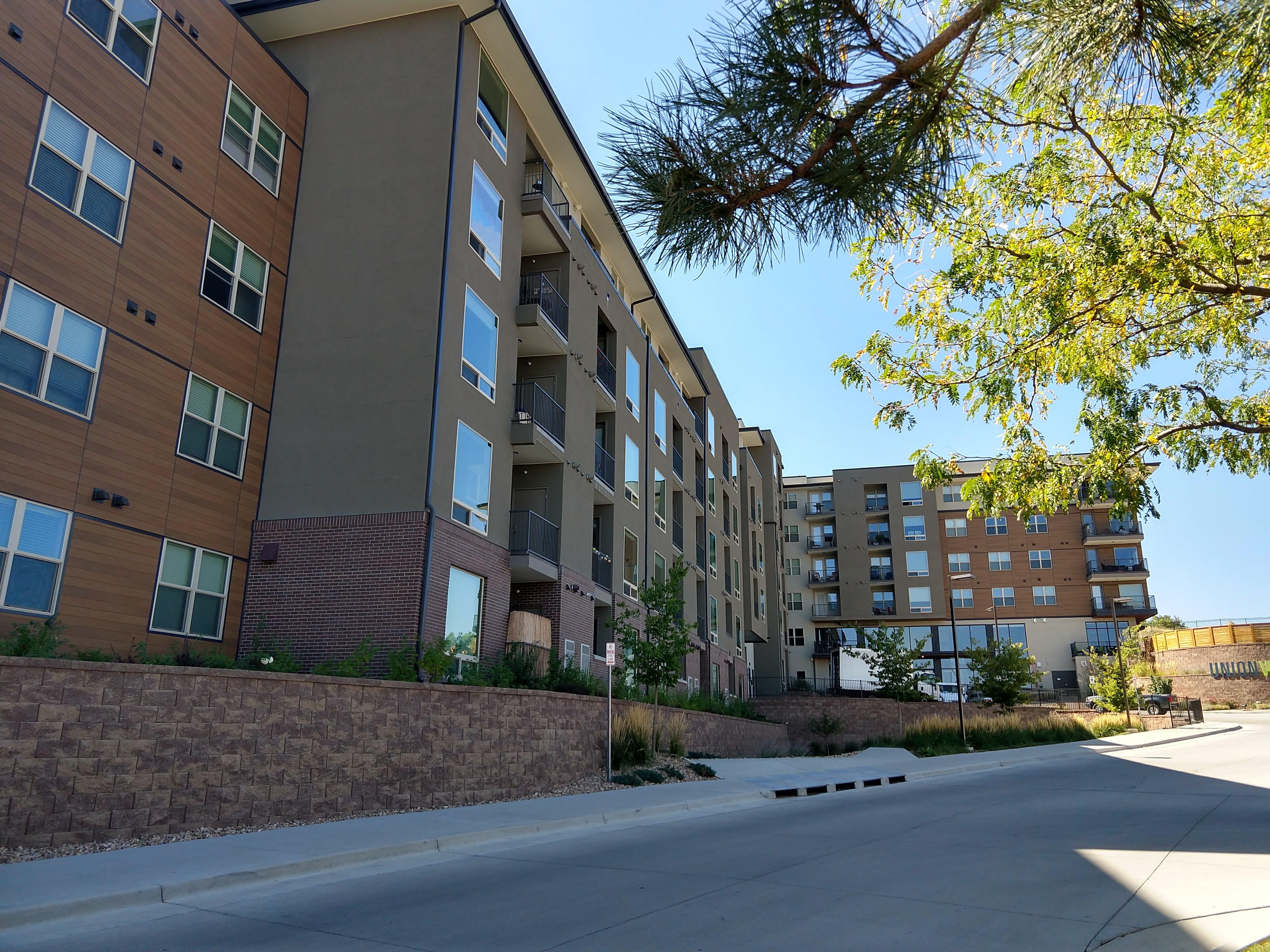 Union West Apartments - 35 Van Gordon St