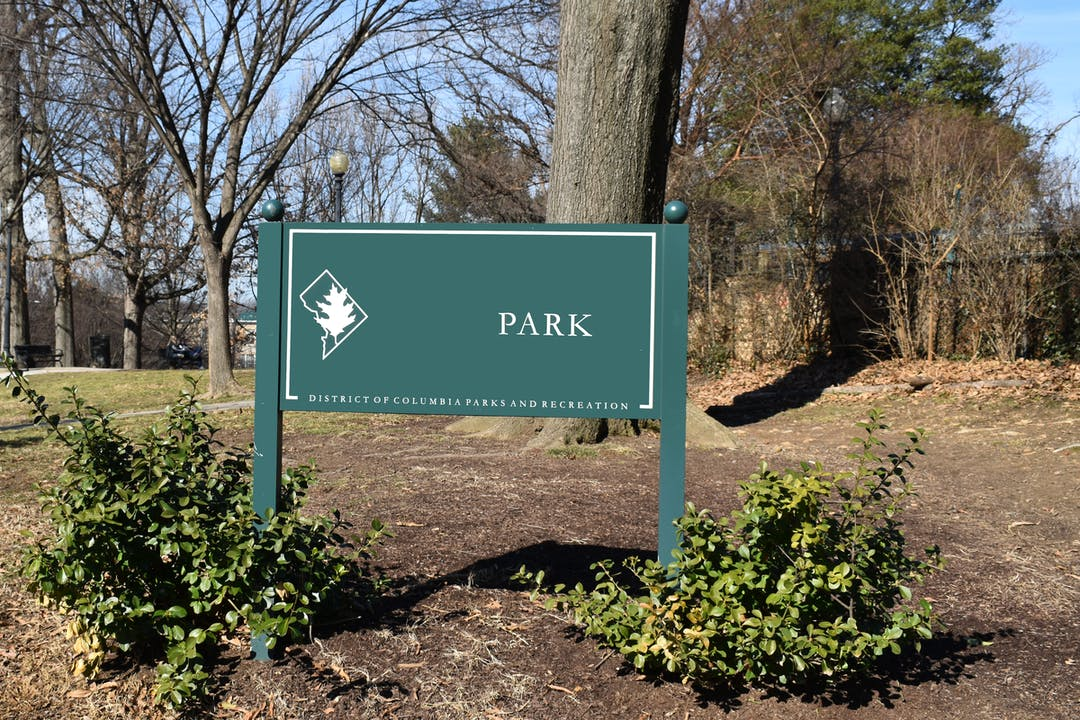 """Nameless green DPR sign that just says """"Park"""""""
