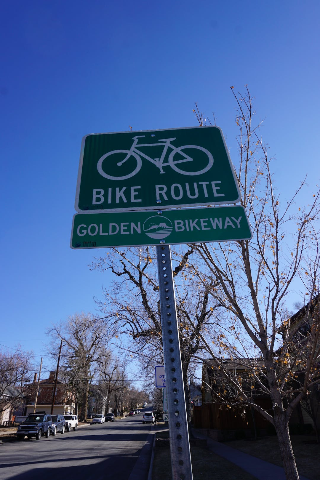 Golden Bikeway Bicycle route road sign